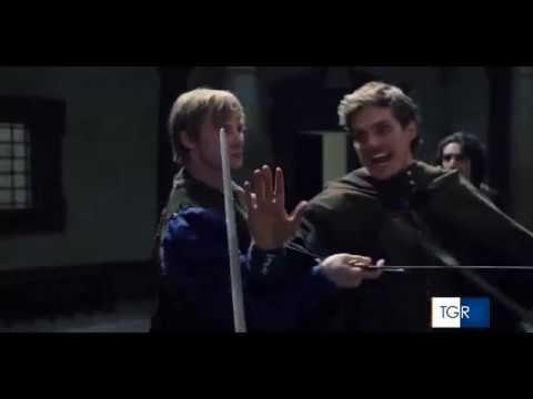 LEGENDADOSUBTITLED Daniel Sharman e elenco de Medici para a TGR
