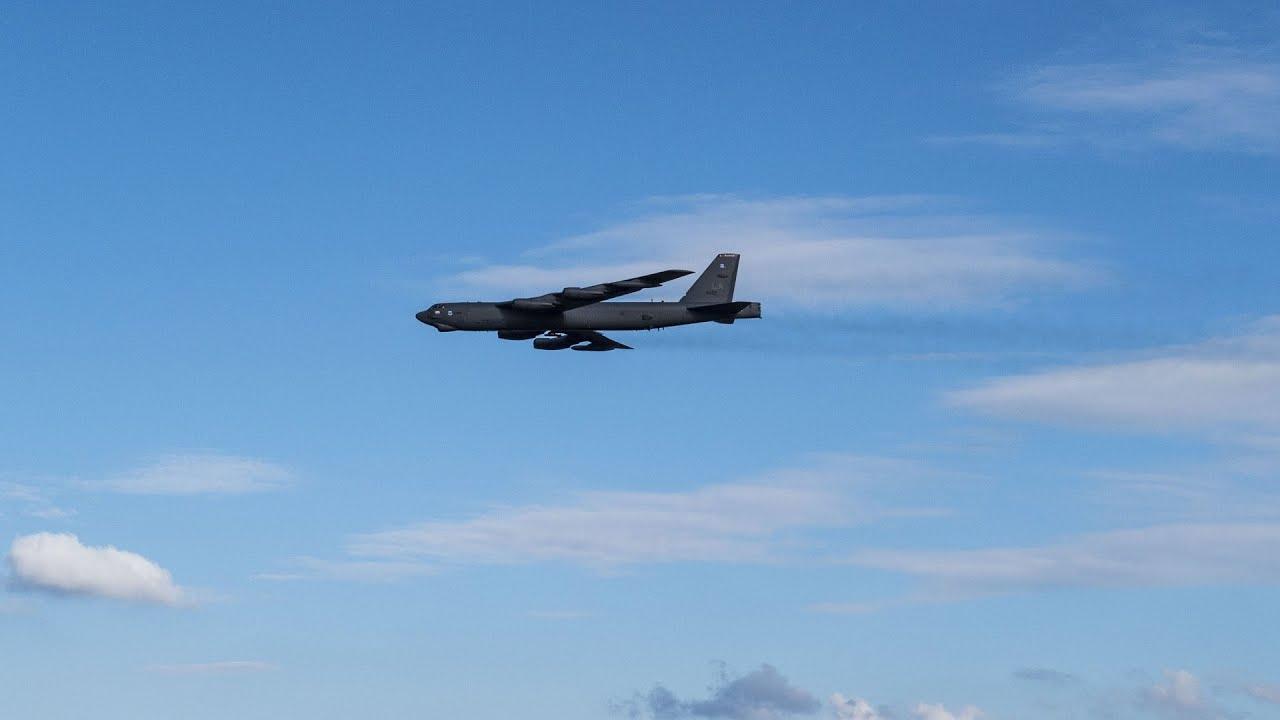 B-52 bomber crashes in Guam - YouTube