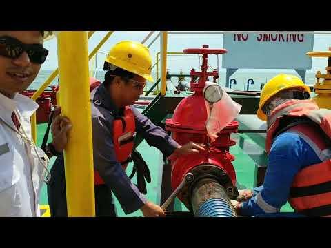 Proses Transfer BBM Dari STS [ SHIP TO SHIP ] Ke Oil barge