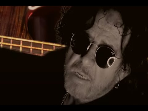 """Steve Lukather (TOTO) debuts the title track """"I Found The Sun Again"""" of his new solo album"""