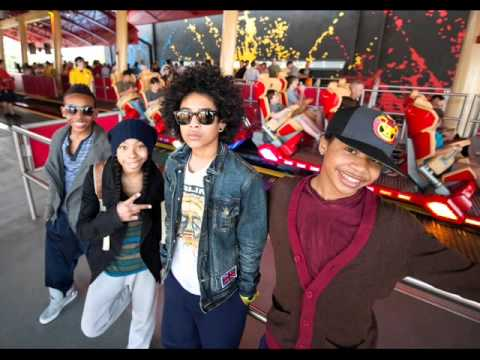 How do you video chat mindless behavior on your tv