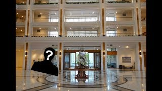 Sneaking into the Fanciest Hotel on the Island