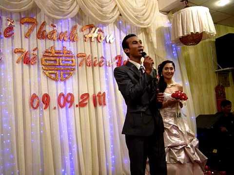 Chú rể Võ Thế  hát tặng cô dâu Thiên Hương - hâm mộ.MOV