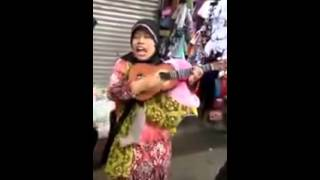 Video Sambalado versi Ibu Pengamen#dipasar download MP3, 3GP, MP4, WEBM, AVI, FLV Oktober 2017