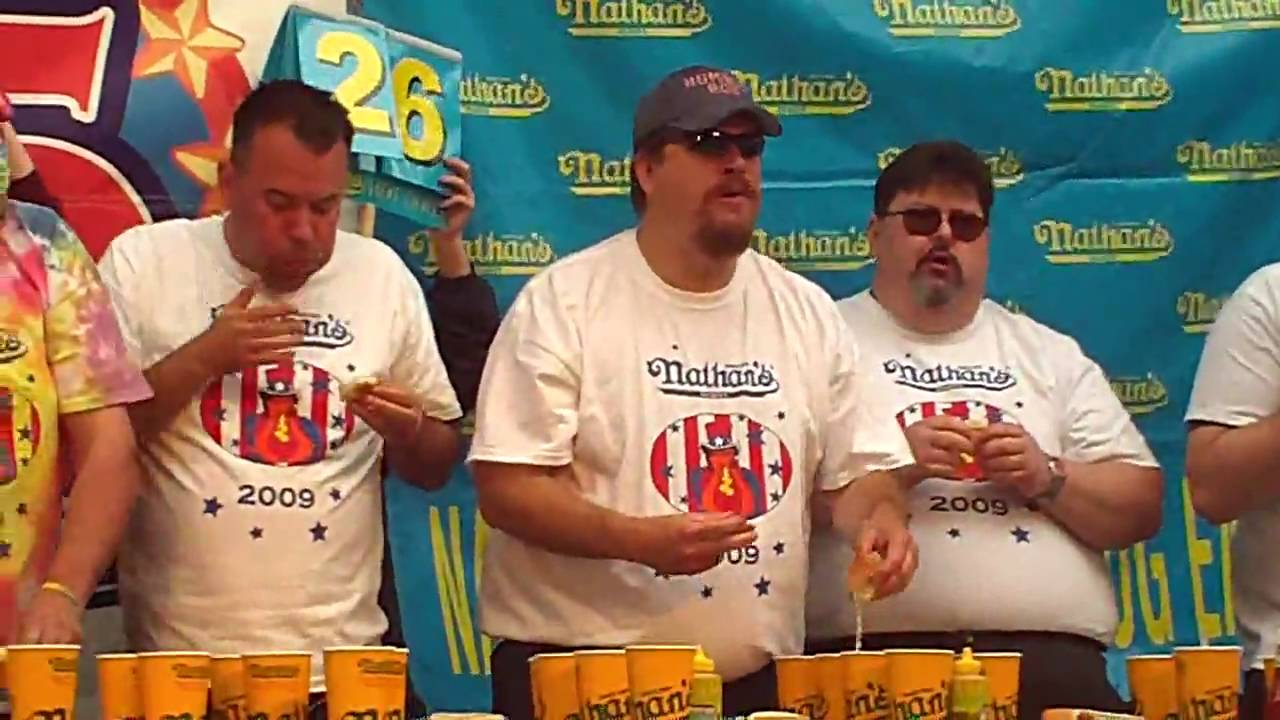 humble bob shoudt eats 38 hotdogs at nathans hotdog eating contest