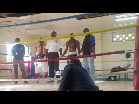 MICHAEL NYAWADE DEFEATS JOSHUA OMUKHULU VIA UD! PAL PAL GYM PUMWANI NAIROBI #BoxingDay 12-26-17!
