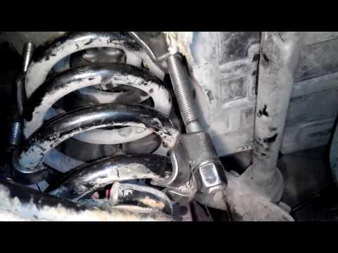 замена опоры пружины Renault Master