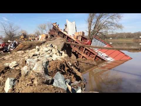 Oroville Dam water hits Sacramento. 🔴  Train derailment Elk Grove