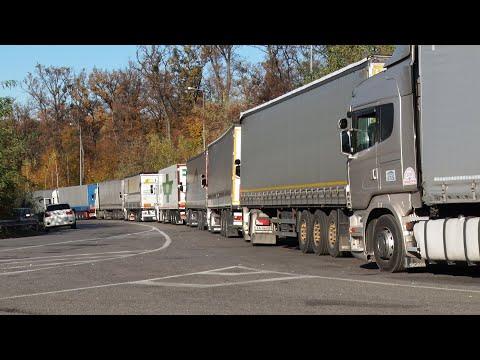 Перед пунктом пропуску «Ужгород-Вишнє Нємецьке» накопичилося 510 вантажівок
