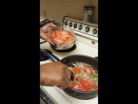 Sauce de Folong/ epinards crevettes et plantains/ spinach stew