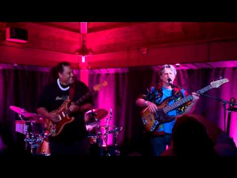 """Willie K and Ross Valory """"Mercury Blues"""""""