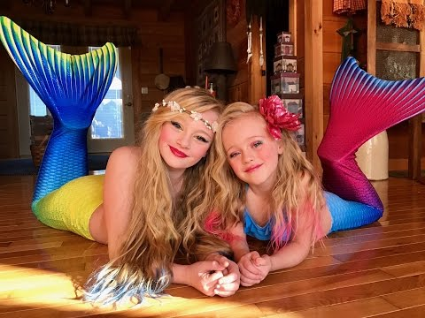 The legend of the Magic Mermaid Princess Ella and playdoh girl make a wish and become real mermaids