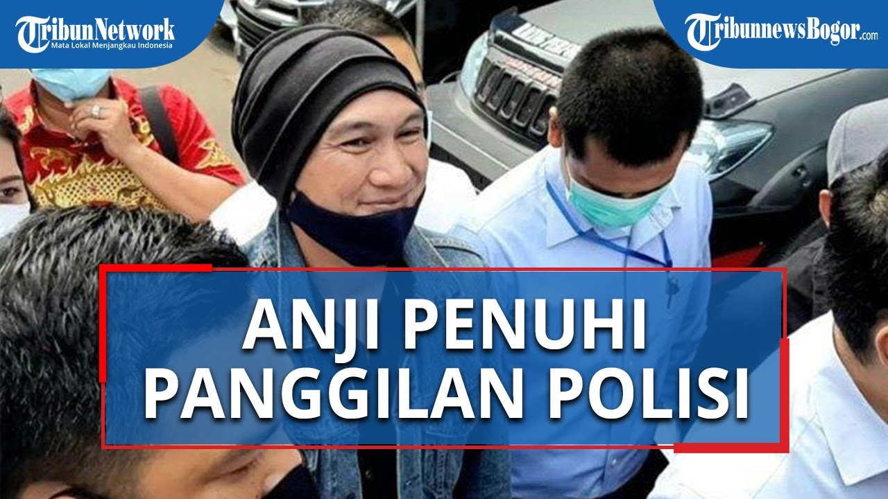 Penuhi Panggilan Penyidik, Musisi dan Youtuber Anji Umbar Senyum saat Memasuki Polda Metro Jaya