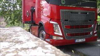 Tady asi často kamión nejezdí
