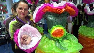 Платье победительницы конкурса  красоты   Дефиле в нарядах из нетрадиционных материалов   Полиэтилен
