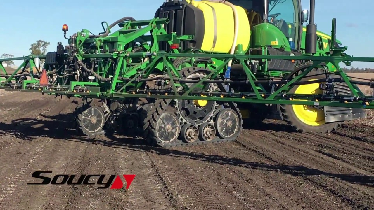 Soucy Tracks 7016 Fitted To A Jd 4030r Sprayer Youtube