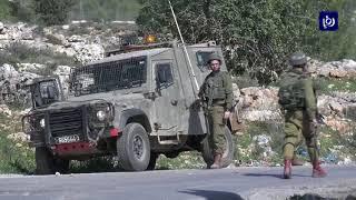 قوات الاحتلال تقمع تظاهرة سلمية أمام معتقل عوفر غرب رام الله - (21-2-2018)
