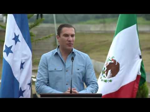 VIDEO COMPARESENCIA DEL PRESIDENTE Y GOBERNADOR DE PUEBLA EN GRACIAS LEMPIRA  26 OCT 2016 1