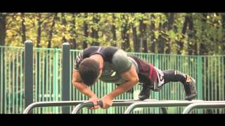 Школа воркаута с Григорием Скурихиным - упражнения на брусьях, сложный уровень.