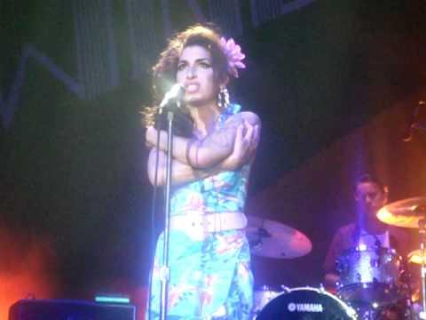 Amy Winehouse - Some Unholy War (Rio De Janeiro 11/01/2011)