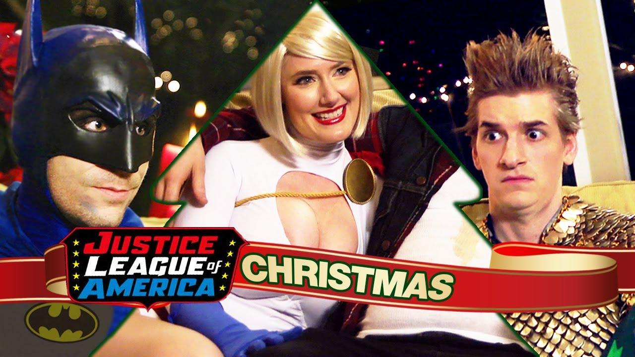 An Awkward JUSTICE LEAGUE CHRISTMAS - YouTube