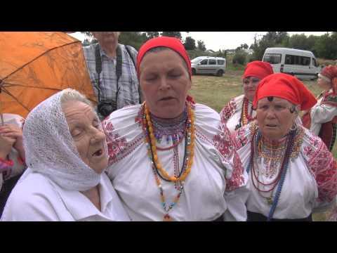 Село Россошь Репьевского района Воронежской области, на Троицу, 9 июня 2014.