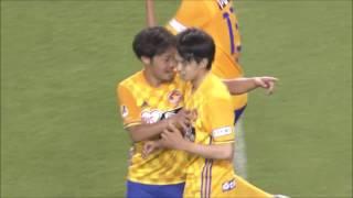 左サイドのCKからゴール前で混戦が生まれると、最後は中野 嘉大(仙台)...