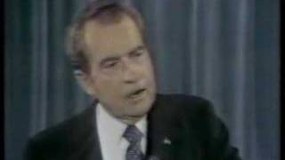 Nixon Disses the Press