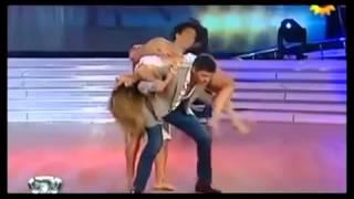 У танцовщицы выпала грудь но танец продолжился