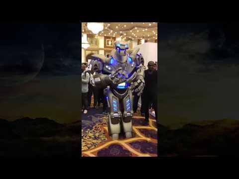 عاجل وصول أول رجل آلي  روبوت تيتان  إلى المملكة السعودية  في  فندق هيلتون جدة