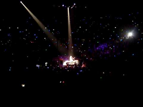 Fifteen by Taylor Swift [Live] Melbourne Feb 11 2010