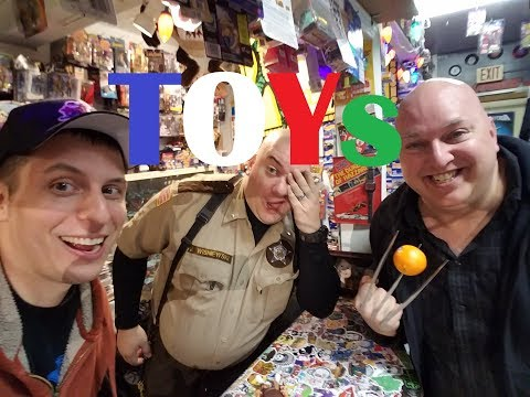 BEST Vintage TOY STORE in the WORLD ( Tom's Vintage Toys ) - Collector PLASTIC CRACK