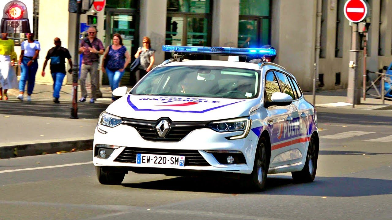 nouvelle voiture de police renault megane new police car in paris youtube. Black Bedroom Furniture Sets. Home Design Ideas