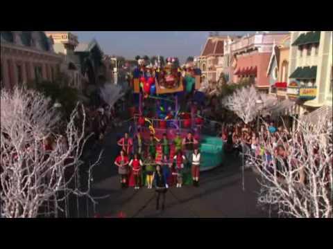 Demi Lovato-A Wonderful Christmas Time[Live]@Disney Parks Christmas Day Parade 2009