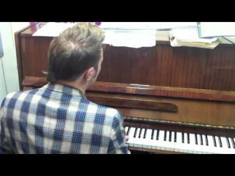 Daniel Bedingfield - Spontaneous Show  - Jeff Pulver TLV Breakfast DEC 2010.