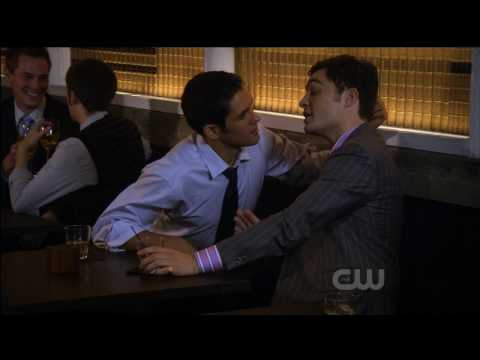 Chuck Bass Gay Kiss (Gossip Girl, 10-19-09)