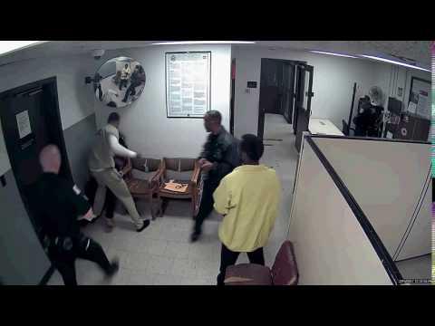 Takiya Holmes' alleged killer Antwan Jones beaten at Cook County Courthouse.