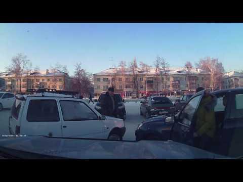 ДТП на стоянке МАГНИТа г.Ишимбай 15.01.2017