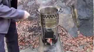 Cook Pinto Beans On A Biomass Stove In The Rain - Survive Emergency Cooking