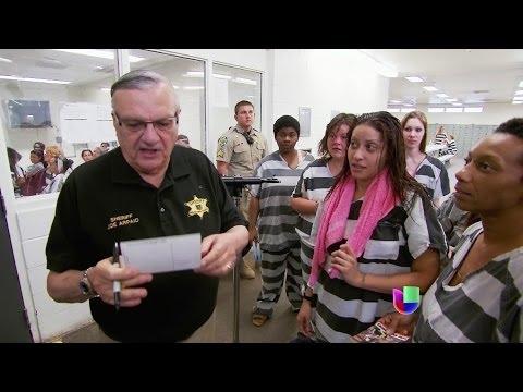 El alguacial Arpaio se defiende desde su prisión al aire libre -- Al Punto