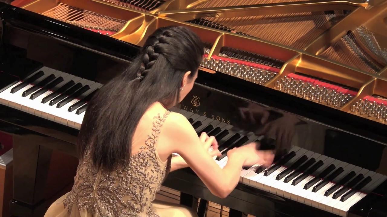 Colleen Lee: Ravel Piano Concerto in G 李嘉齡:拉威爾G大調鋼琴協奏曲 - YouTube
