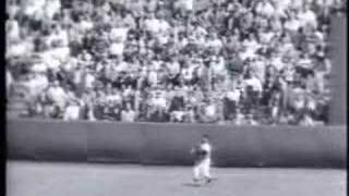 Hall of Fame baseball announcers talk about Willie Mays