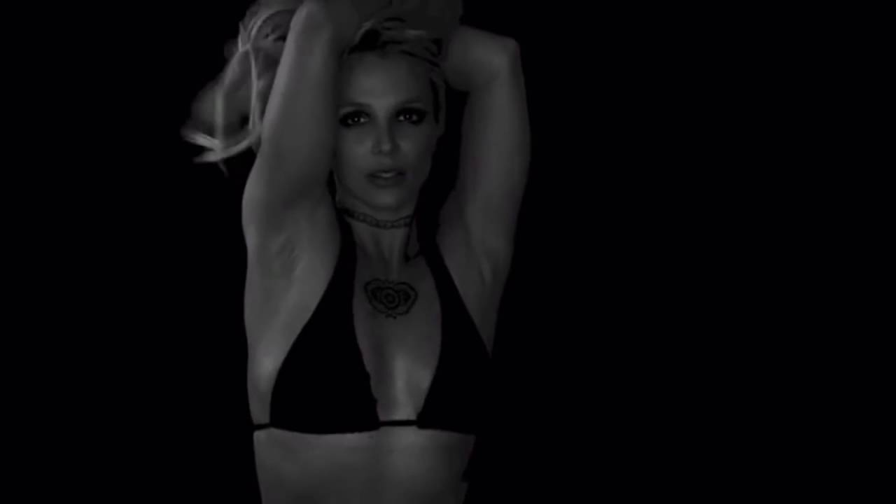 1123e7d6245d9 Britney Spears - sexy black bikini dance - YouTube