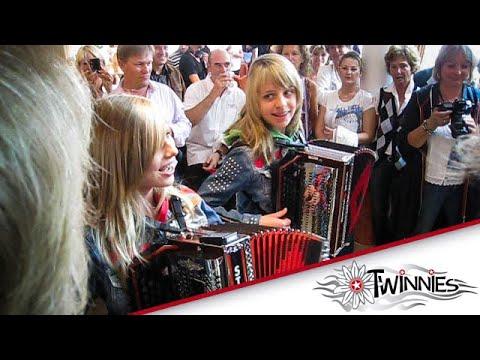 TWINNIES - Bayern Feiern LIVE in Kitzbühel