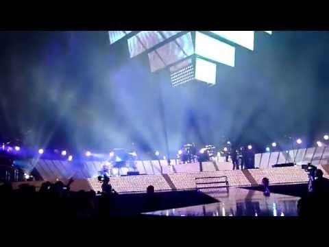 Muse - Citizen Erased + Guitar Malfunction (Live Perth Arena, Australia 2013)
