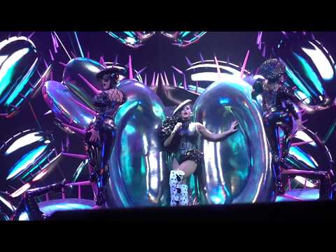 Katy Perry - Bon Appétit: Witness: The Tour Opening Night in Montreal (09/19/2017)