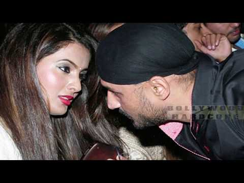 Geeta Basra Kissing Scene
