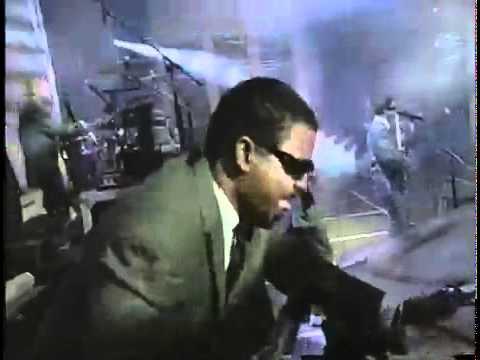 Beastie Boys  Sabotage    MTV Music Awards 1994