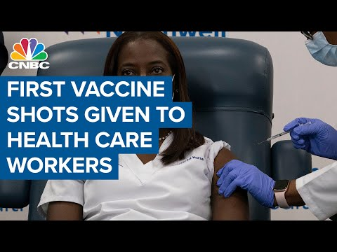 Watch the first health workers receive Pfizer's Covid-19 vaccine in New York