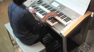 好きな曲は何でもエレクトーンで弾いてみたいので、この曲の楽譜も曲集...